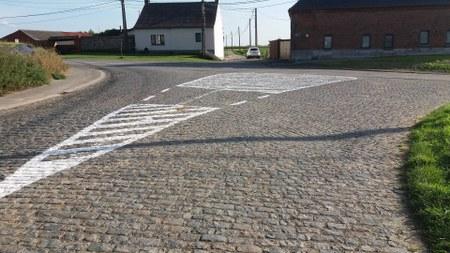 Ghoy - Deux-Acren: carrefours sécurisés