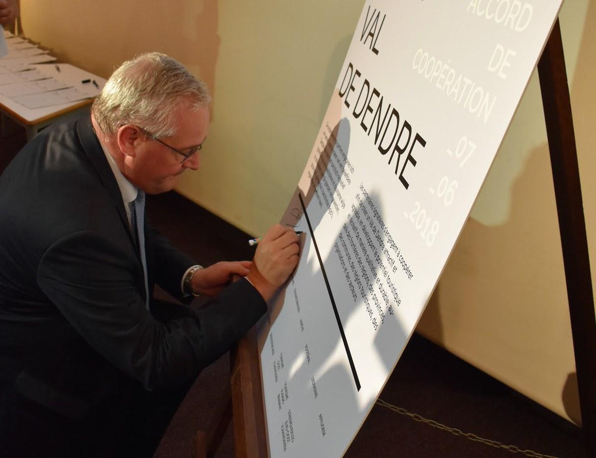 Signature Val de Dendre - Bourgmestre