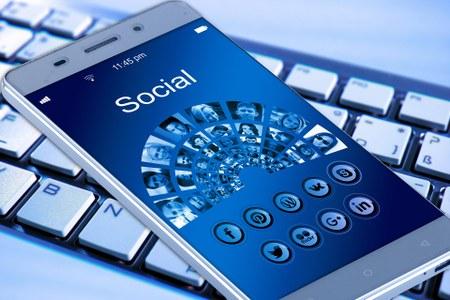 Inscriptions aux formations Internet et Smartphones.